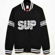 シュプリーム ジャケット コピー 限定セール定番人気なブラック SUPREME EPS SUP 90″1/2 スタジャン キャプテンバーシティー メンズ パーカー.