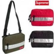 SUPREME レッド グリーン ブラック 3色 赤字超特価安い シュプリーム メンズショルダーバッグ.