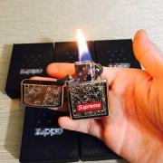 高級品シュプリーム 通販 偽物ボックスロゴライターSUPREME オンラインゴールドオイル ライタープレゼントに最適!