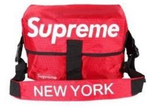 レッド 2017年 NEW YORK / SUPREME 偽物 シュプリーム x ニューヨーク 品質保証高品質なナイロン メンズショルダーバッグ.