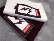 大人気なシュプリーム 偽 tシャツSUPREME ホワイト、ブラック ストリート 半袖 コットン 生地 男女兼用.