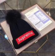ビッグ セール シュプリーム ニット帽 偽 SUPREME 通気性 吸湿性 ホワイト、ブラック2色選択 レディース.