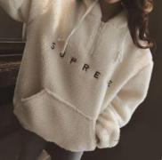スーパー コピー SUPREME シュプリーム パーカー 特別人気 セール中 ブラック、ホワイト2色可選 レディース.